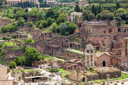 Vue aérienne du Forum Romain (Foro Romano) au centre de la ville de Rome, Italie Banque d'images