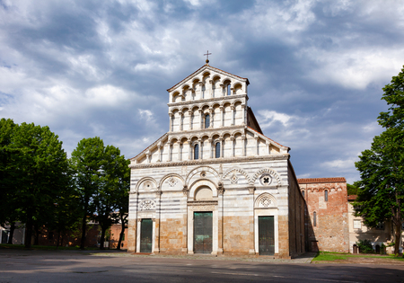 Medieval Tuscan Romanesque San Paolo a Ripa dArno church known as Duomo Vecchio (Old Cathedral) in Pisa, Tuscany, Italy