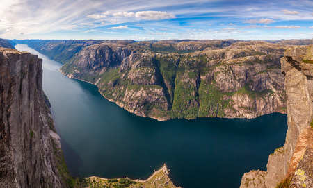 Panoramic aerial view of Lysefjord (Lysefjorden) from Kjerag (or Kiragg) Plateau, a popular travel and BASE jumping destination in Forsand municipality of Rogaland county, Norway, Scandinavia Standard-Bild - 118217086