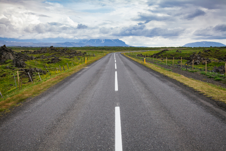 Route 1 or Ring Road (Hringvegur) national road that runs around the island and connecs some of the most popular tourist attractions in Iceland, Scandinavia Standard-Bild - 118201711