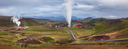 Panoramic view of Krafla geothermal power plant, the largest Icelands power station near Krafla Volcano, Northeastern Iceland, Scandinavia Standard-Bild - 118201993
