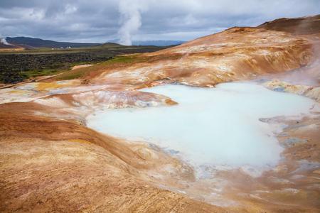 Leirhnjukur (Clay Hill) rhyolite formation with hot sulfuric springs at Krafla volcanic area in Mývatn region, Northeastern Iceland, Scandinavia Standard-Bild - 118202160