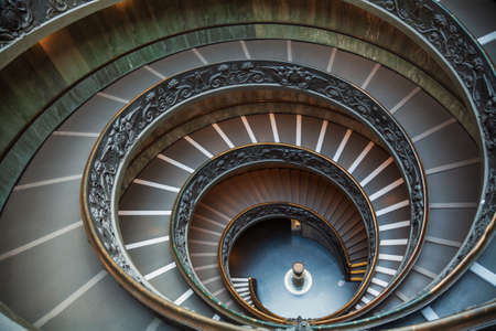Spiral stairs of double helix staircase (Bramante Staircase) in the Vatican Museums, Rome, Italy Redactioneel