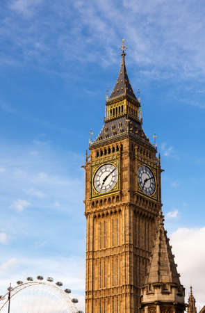 Upper part of Elizabeth Tower or Big Ben clock tower, Westminster Palace, City of Westminster, Central Area of Greater London, UK 新聞圖片