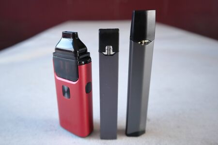 3 different vape pen electronic cigarette devices product shot isolated Stok Fotoğraf