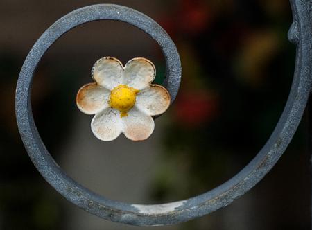 railing: Railing with flower