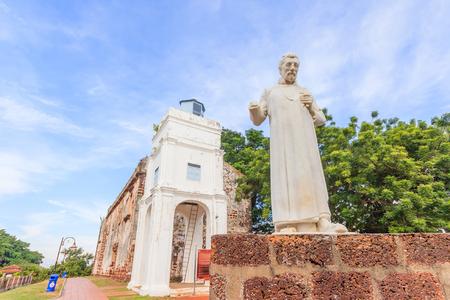 Facciata della chiesa di San Paolo a Malacca, la chiesa della Malesia. La chiesa di S. Paulo fu costruita nel 1521 dai portoghesi. È stata utilizzata come fortezza per un periodo di tempo. Archivio Fotografico - 66315309