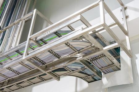 Ladder kabelgoot op elektrische controlekamer Stockfoto