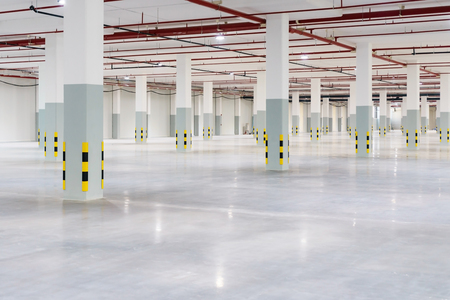 Factory roof structure and automatic fire protection in building system. Standard-Bild