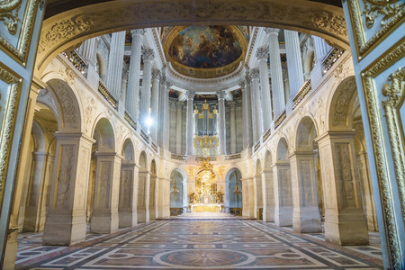 VERSAILLES, FRANCE - APRIL 08, 2018: Great Hall Ballroom in Versaille Palace Paris France Editoriali