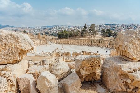 Forum ovale dans l'ancienne ville romaine de Gérasa, Jerash, Jordanie. Éditoriale