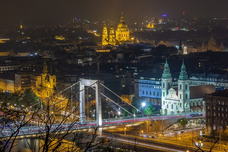 Budapest city panorama seen from the Citadel. Tourist part of Budapest with the Danube river. Archivio Fotografico - 133859446