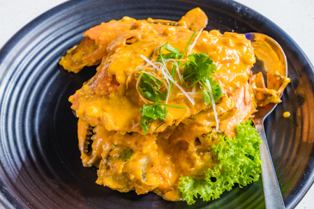 Chinese cuisine, Fried Crab with curry and salted egg yolk