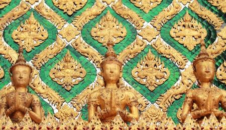 kaew: Kinnari statue (Wat Pra Kaew)