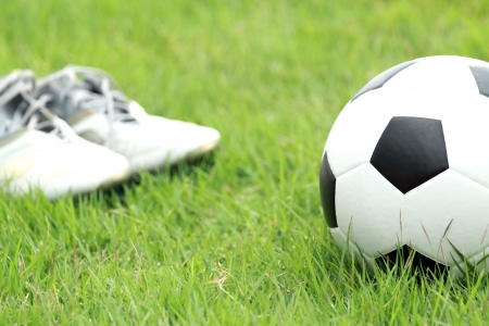 soccer shoes: Football and soccer shoes