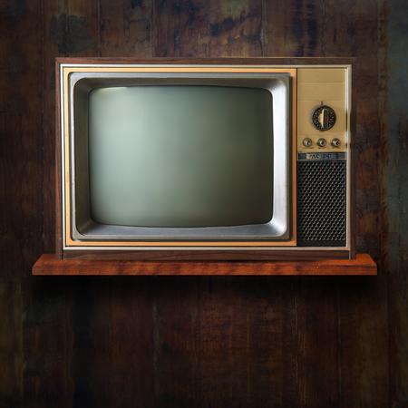 tv retro: Vintage tv on wood shelf
