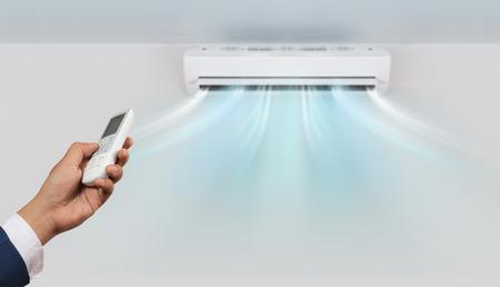 Acondicionador de aire en la pared de fondo Foto de archivo - 75049470