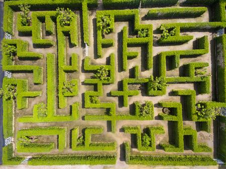녹색 미로 정원의 공중보기 스톡 콘텐츠
