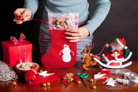 christmas deco: preparaci�n para la Navidad, calcet�n de Navidad Foto de archivo