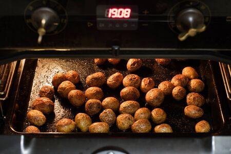 オーブンで焼いたジャガイモの調製