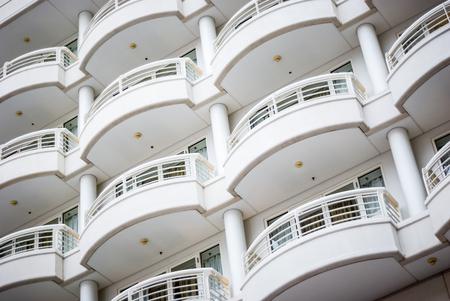 バルコニーを建物の建築のクローズ アップの写真