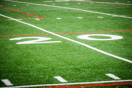 サッカーのフィールドに 20 ヤード ライン 写真素材