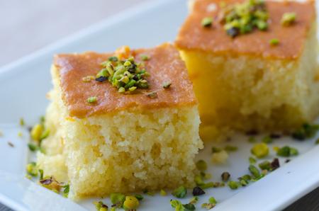 Revani / süßes Grießgebäck, traditioneller türkischer Nachtisch