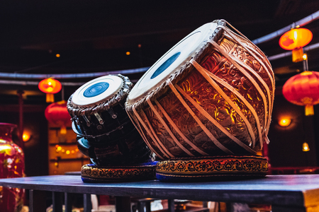 ethnic musical instrument tabla in the interior of the chill-out Stockfoto