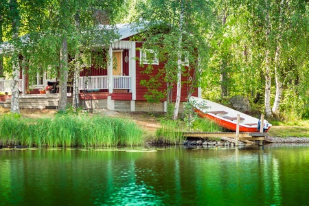log cabin: Cottage by the lake in rural Finland