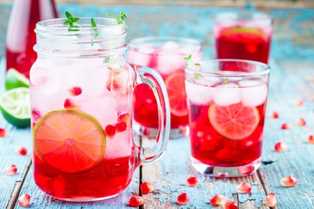 water thyme: cold homemade lemonade with pomegranate, mint and lime