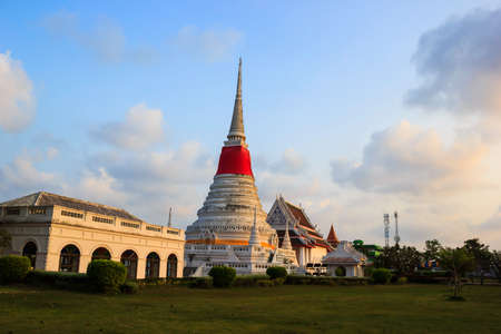 Phra Samut Chedi Temple in the evening