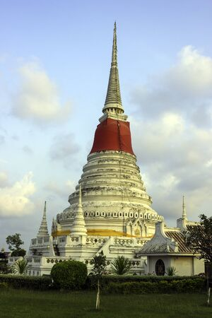 Pagoda of Phra Samut Chedi in the evening
