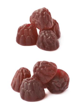 gelatina: Berry gelatina con forma de mascar a base de dulces aislados sobre el fondo blanco, conjunto de dos escorzos diferentes