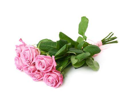 mazzo di fiori: Bouquet di rose rosa isolato su sfondo bianco Archivio Fotografico