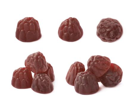 gelatina: Berry gelatina con forma de mascar a base de dulces aislados sobre el fondo blanco, sistema de múltiples escorzos diferentes