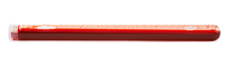 metodo cientifico: Glass test-tube filled with blood isolated over the white background