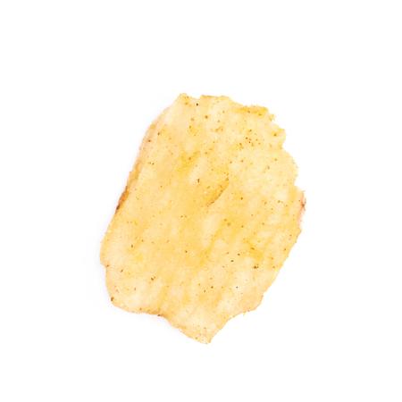 de un solo chip de patata crujiente aislados sobre el fondo blanco Foto de archivo