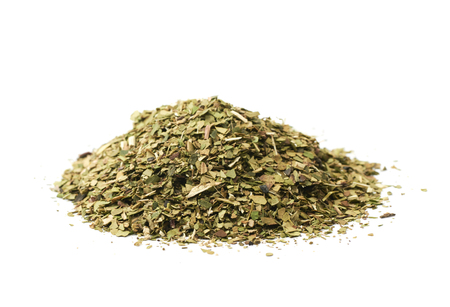 Pile of mate tea leaves isolated Banque d'images