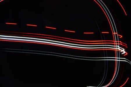 white lines: linee rosse e bianche sfondo nero luce pittura