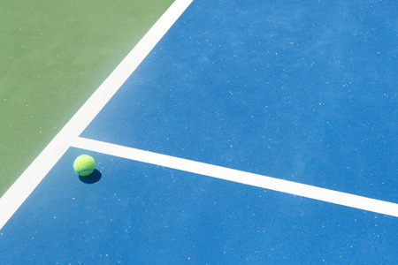 ace: Tennis court in ball out, During, winner ace serve, point Stock Photo
