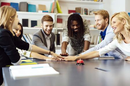 metas: Unidas como uno para lograr metas Comapny - cada colega poner esfuerzo en el proyecto
