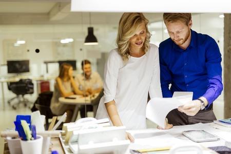 Mann und Frauen, Werkstattplanung in Aktion