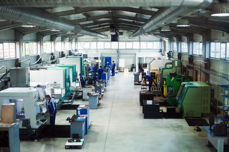 機械工場、冶金工業的作業の工場 写真素材