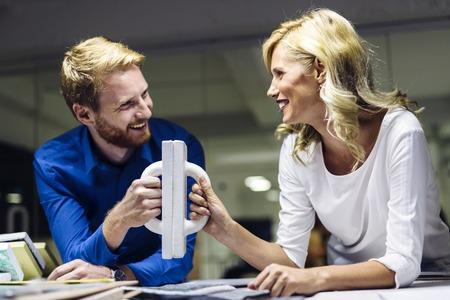 Samenwerking bij het bereiken van wederzijdse doelen Stockfoto