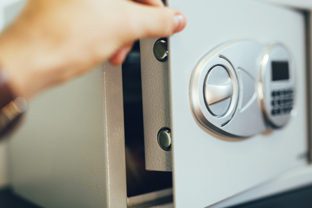 Opening of a safe 스톡 콘텐츠