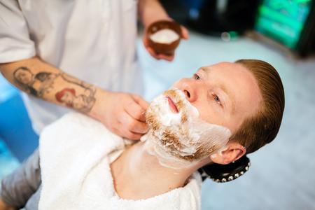 Retro shaving with foam