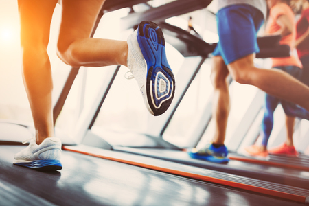 Picture of people running on treadmill in gym Zdjęcie Seryjne