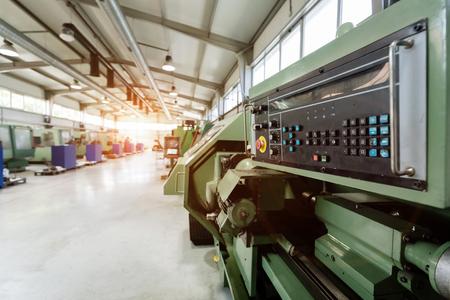 Fabriek uitgerust met cnc machines