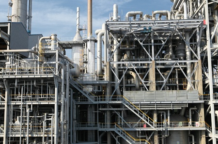 industrial oil refinery facility Stock Photo - 14144328