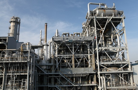 industrial oil refinery facility Stock Photo - 14144327